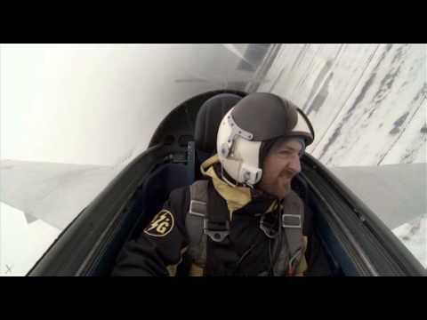 Зажигательное видео полет на самолете предельно малая высота