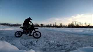 Winter moto/sideways in the snow/Moto on ice