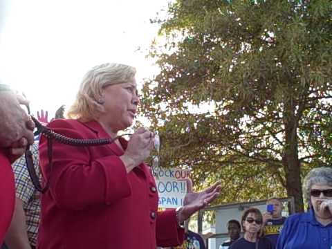 Part 2 - Mary Landrieu speaks to the Tea Party crowd prior to her town hall meeting