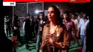 Download video Shahid and Kareena Kapoor bump into each other at a film function in Mumbai
