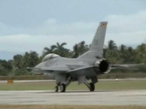 F-16 Viper East  Show Aereo en MHLM, San Pedro Sula Honduras