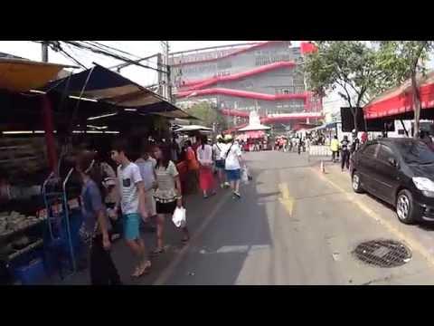 Walking in Weekend Market Bangkok(1) 2014/1/4