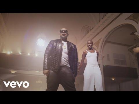 Timbaland & V. Bozeman – Smile