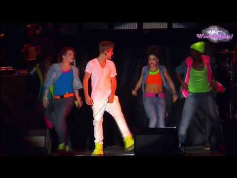 Justin Bieber - Somebody to Love (En El Zocalo De México Oficial HD)