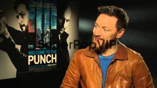 INTERVIEW - James McAvoy on how he gets his angry face, f...