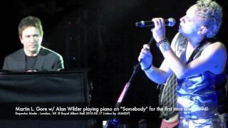 Depeche Mode - Alan Wilder playing piano on