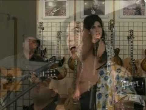 Amy Winehouse - Love Is A Losing Game (Live Acoustic)