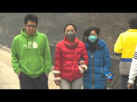 Beijing chokes on smog