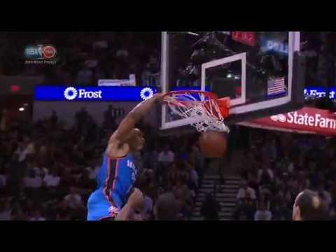 Russell Westbrook Throws Down the Tomahawk!