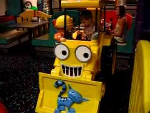 Chuck e Cheese Bob The Builder Bob The Builder Ride at Chuck