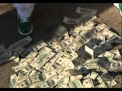 Lil Boosie counting his money