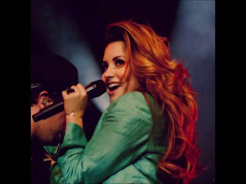 Demi Lovato sua história é minha inspiração.