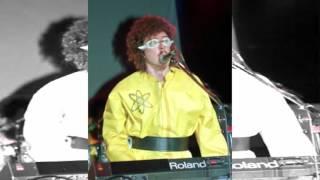 Watch Weird Al Yankovic Dare To Be Stupid video