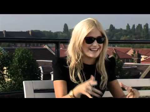 PIXIE LOTT INTERVIEW -uaRShDFxUHU