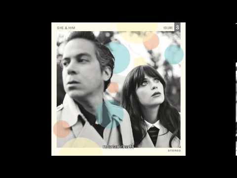 She & Him - Hold Me Thrill Me Kiss Me