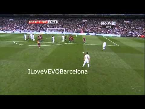 V.Valdes shows the middle finger to Ronaldo HD
