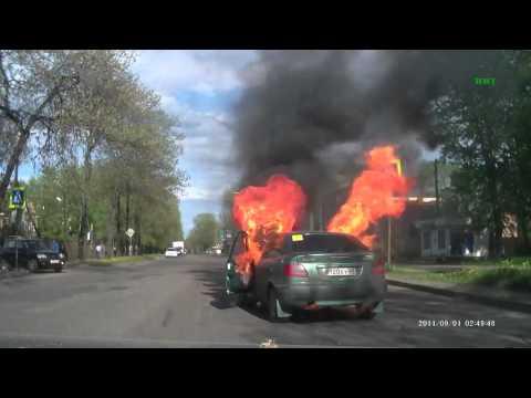 Вот почему не надо курить за рулём