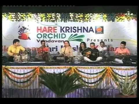 Watch Live Performance of Anup Jalota - Rang De Chunariya -...
