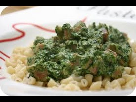Preparation for a delicious macaroni with spinach