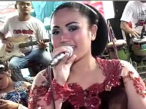 Panti Klayar Voc. Lina - Areva Music Horeee Live Kampung Horeee