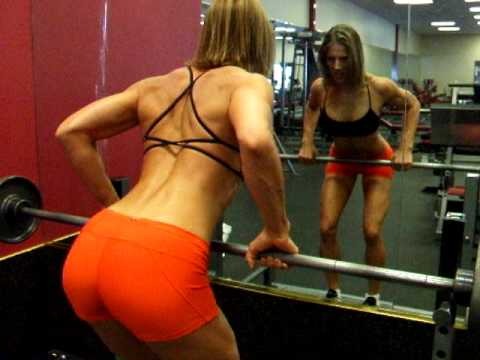 Fitness Tips with Chrissy Zmijewski: BB Bent Over Row