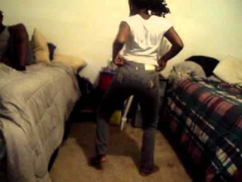Dancing To Her Booty Swagg Souljia Boy