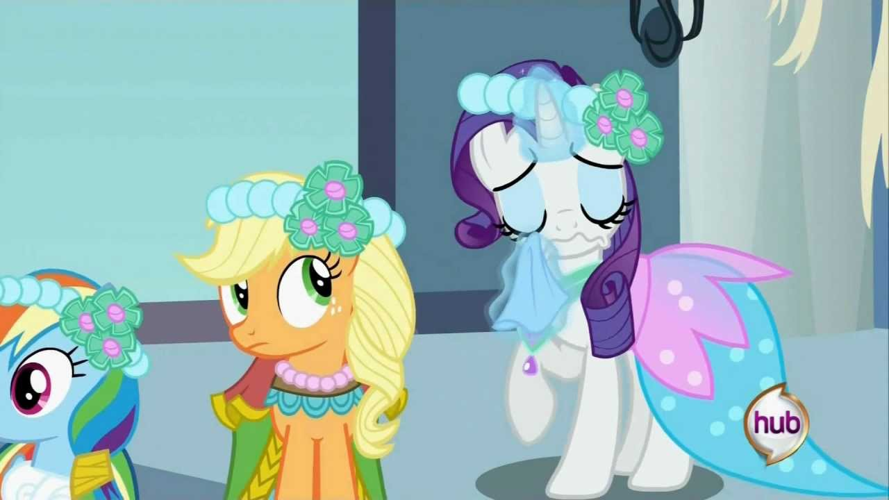 Rarity is crying, and at Applejack Poker face - YouTube