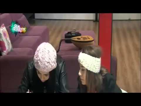 جلسة شيرين وريتا وليا للأكل وكنزة ودعاء في الصالة 23 12 2014