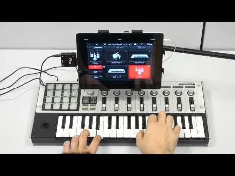iRig MIDI in action with SampleTank and GarageBand