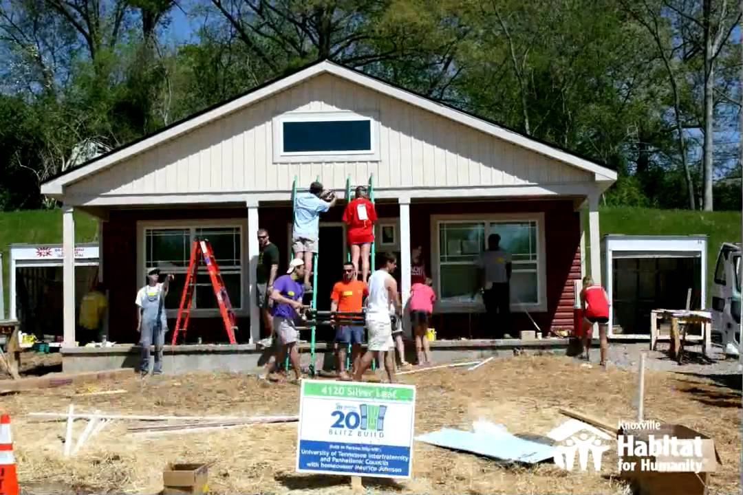 Time lapse house build knoxville habitat for humanity for What is needed to build a house