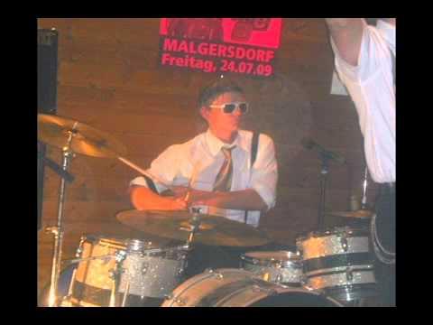 Steve O. & the Shaky Bones - Hippy Hippy Shake