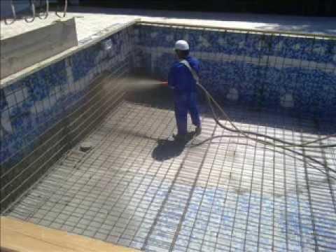Como se construye una piscinas con hormigon gunitado for Construccion de piscinas precios chile