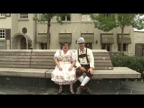 De Stoopjes - Bellenblazen (Officiële videoclip)