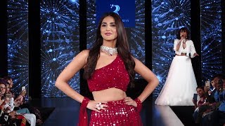 Vaani Kapoor Ramp Walk At The Wedding Junction Show 2019 | EShots