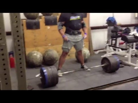 Brian Shaw WSM 2013 Deadlift Training/985 lb Deadlift Image 1