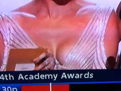 Jennifer Lopez Oscars Nipple - J. Lo Oscar Nip Slip [UNCENSORED]