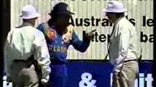 Muralitharan vs Ross Emerson  no balled for throwing, Adelaide 1998 99   YouTube