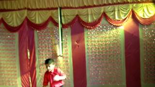 Toh Dhishoom - incredible dance by Rachit 7yr boy