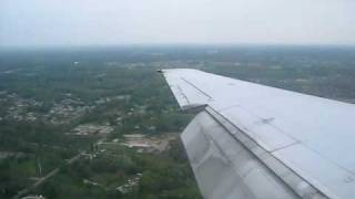 AirTran Boeing 717 Landing in Akron (cabin view)