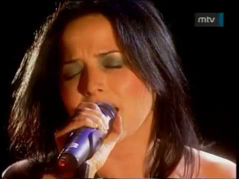 Brian May&Andrea Corr - Is This The World We Created ..? (46664 Cape Town 2003)