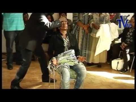Jésus guérit une femme après un accident - Stuttgart (fr/de) (Shora Kuetu - 19/10/14)