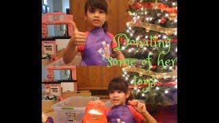 VLOGMAS 2018 Day 9 Sammy Decided to Donate some toys before Christmas-julreallife vlog