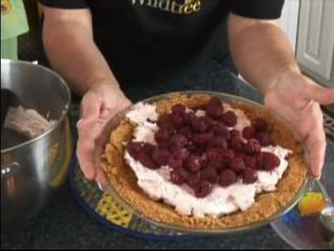 Easy Gourmet Dessert Recipes : Berry Cheesecake Pie Dessert Recipe