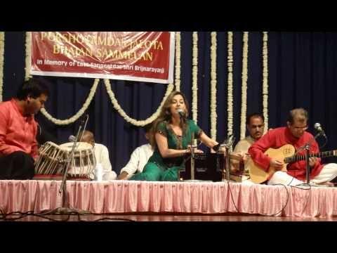 Preety Bhalla performs Bhajan Mujhe Rang De from her album Girdhar...