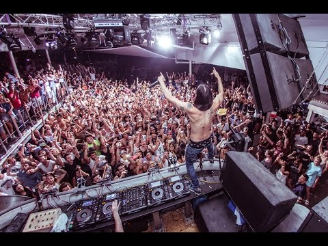 STEVE AOKI at Cavo Paradiso - July 17th 2015