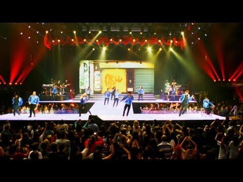Glee the 3D Concert Movie trailer official