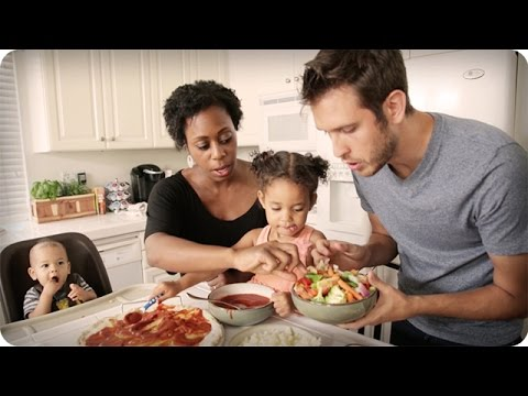 CUTE FAMILY COOKING SHOW!!!
