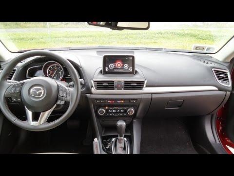 Mazda3: Il focus sul sistema infotainment