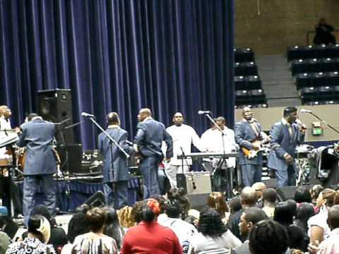 Doc McKenzie and the Hi-Lites...Feel God Moving