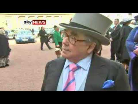 Ronnie Corbett Is Awarded A CBE By The Queen